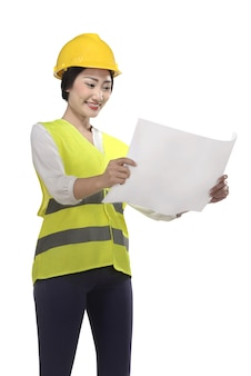 Ropa de mujer asiática tenía sombrero y chaleco de seguridad mirando plano
