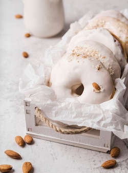 Rosquillas de primer plano con glaseado