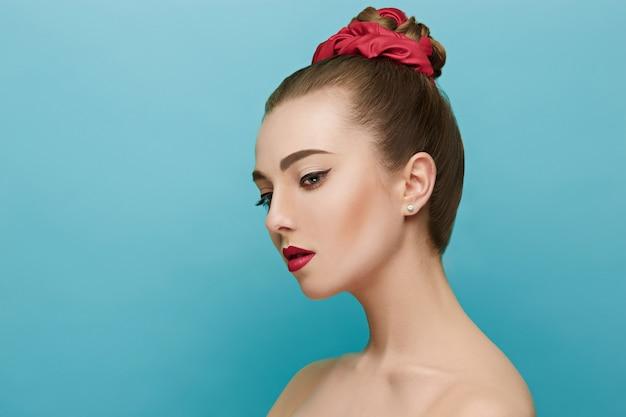 Rostro de mujer hermosa maquillaje perfecto moda de belleza