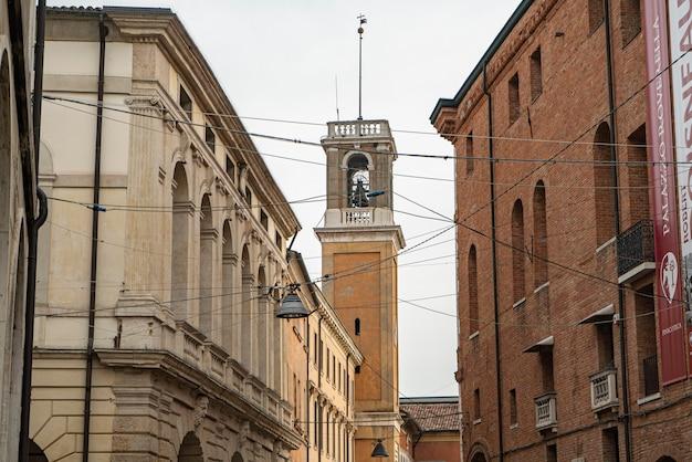Rovigo, italia 14 de octubre de 2021: edificio histórico en rovigo, una ciudad italiana