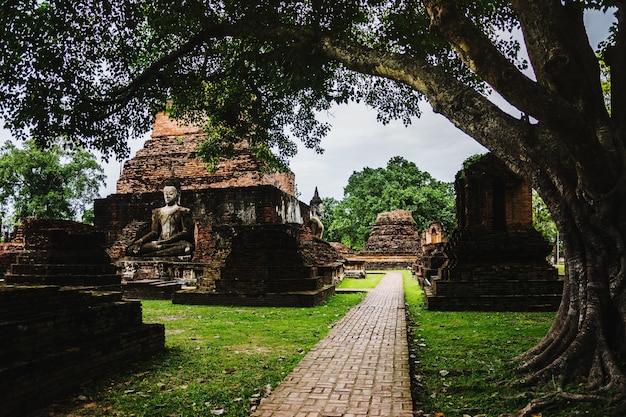 Ruina del parque histórico, patrimonio mundial de tailandia