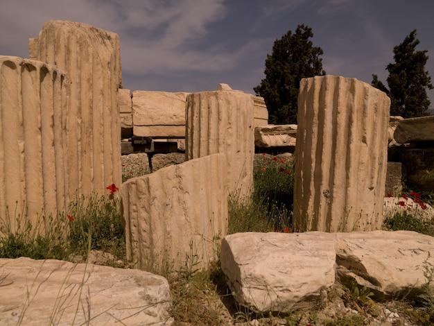 Ruinas antiguas en atenas grecia