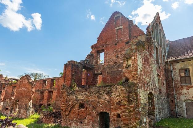 Ruinas del castillo de insterburg en chernyakhovsk rusia