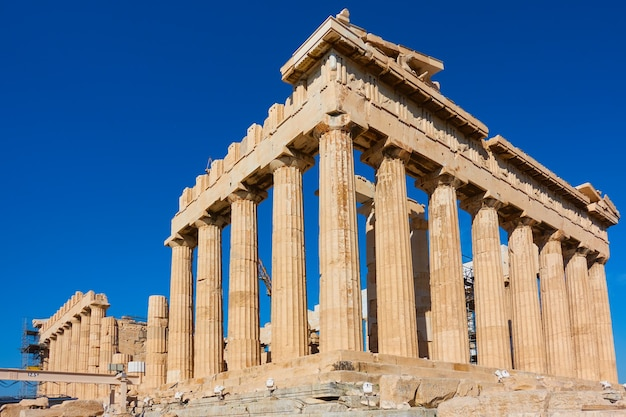 Ruinas del templo del partenón en la acrópolis, atenas, grecia