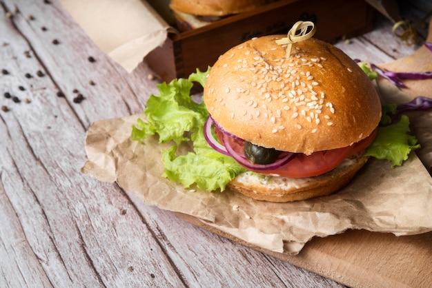 Sabrosa composición del menú de hamburguesas