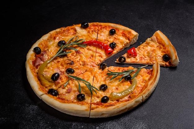 Sabrosa pizza caliente, receta tradicional italiana