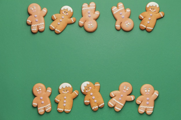 Sabrosas galletas de jengibre en color