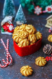 Sabrosas galletas navideñas caseras.