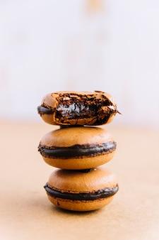 Sabrosas galletas con relleno de chocolate