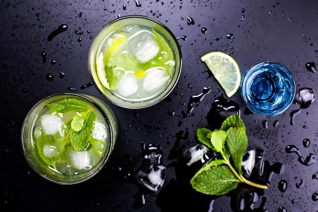 Sabrosos cócteles alcohólicos