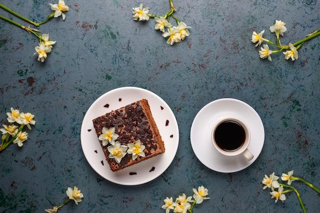 Sabrosos pasteles caseros de trufa de chocolate con café