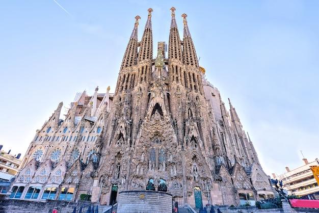 La sagrada familia, fachada de la natividad, barcelona, españa