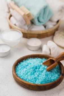 Sal de terapia casera de primer plano para spa