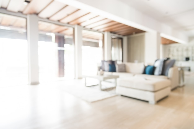 Sala de estar borrosa con suelo de parqué
