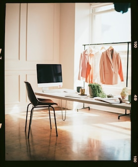 Sala de exposición de diseño de moda femenina vacía