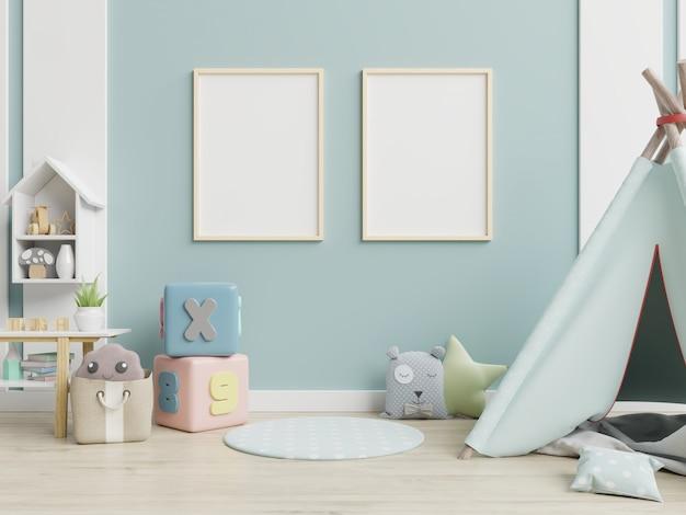 Sala de juegos para niños con carpa y mesa, muñeca.