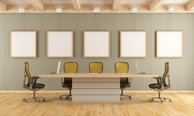 Sala de juntas con mesa de reuniones y sillas de oficina.