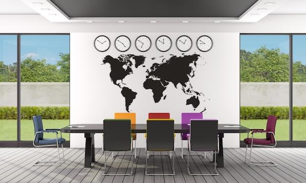 Sala de juntas moderna con mesa de reuniones negra y sillas de oficina coloridas