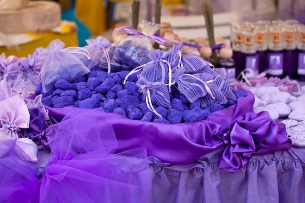 Sales de baño de lavanda púrpura