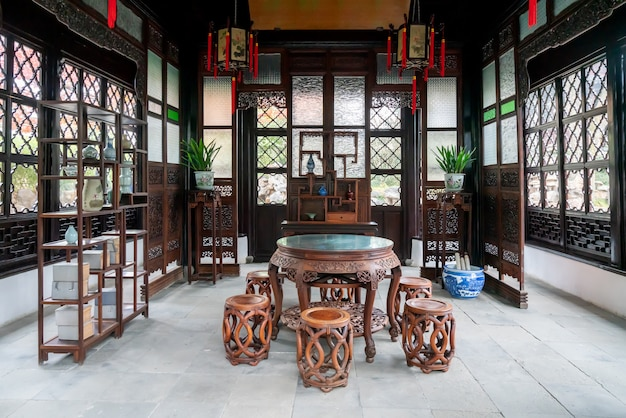 El salón de estilo chino clásico en el humilde jardín del administrador, suzhou, china