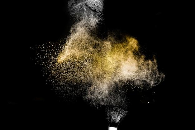 Salpicadura de polvo dorado