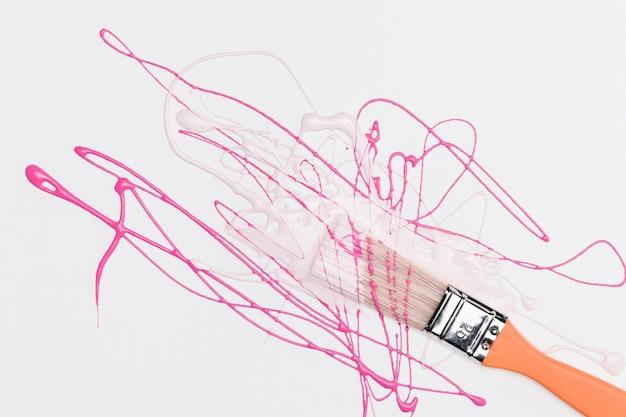 Salpicaduras de color rosa
