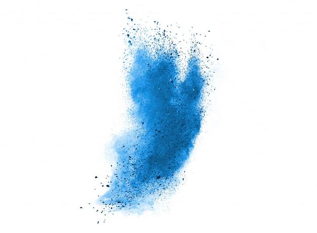 Salpicaduras de partículas de polvo de polvo azul aislado sobre fondo blanco.