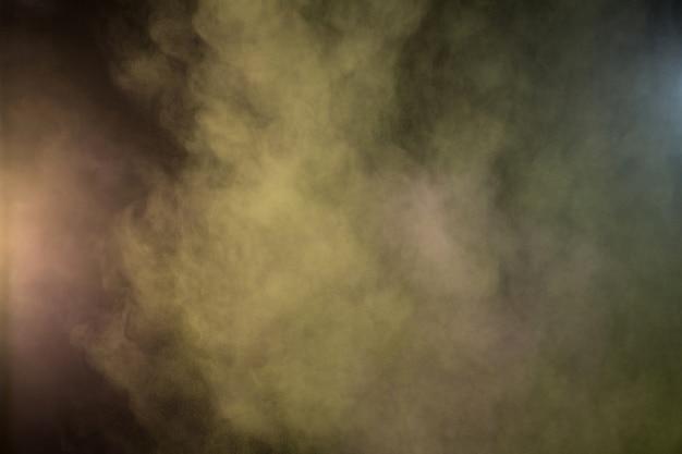 Salpicando de polvo de color