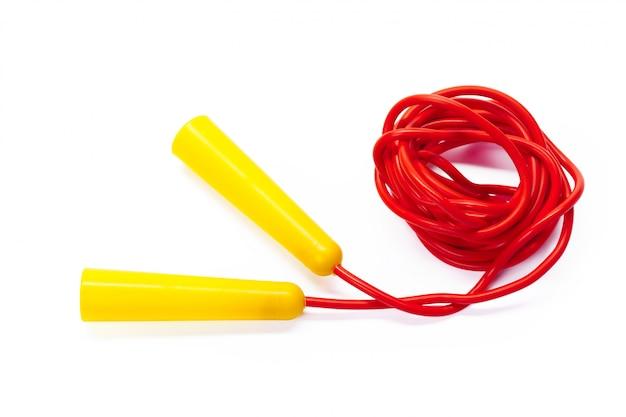 Saltar la cuerda aislado en blanco