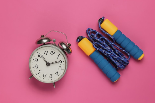 Saltar la cuerda, despertador en rosa