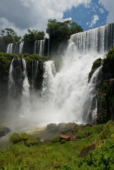 Salto bossetti en las cataratas del iguazú