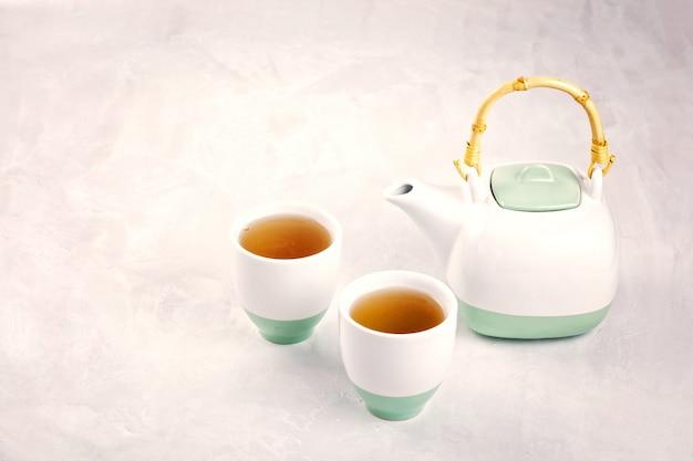 Saludable té de hierbas. antioxidante, desintoxicante, refrescante.