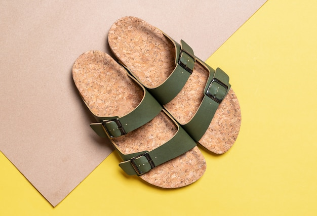Sandalias de cuero de moda para hombres y mujeres