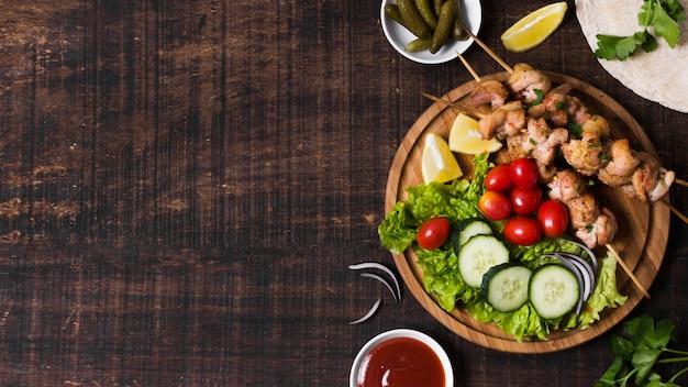 Sándwich de kebab turco delicioso endecha plana