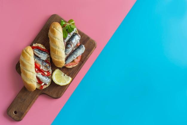 Sándwich de sardinas saludable