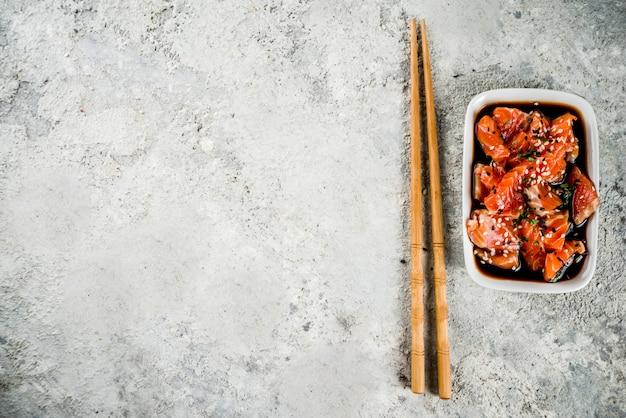 Sashimi de salmón en escabeche