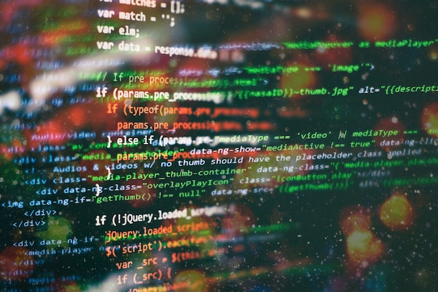 Secuencia de comandos de computadora abstracta sobre big data y base de datos blockchain. código de programación del desarrollador de software. programa de proceso de criptomoneda minera en pc con pantalla. usando software.