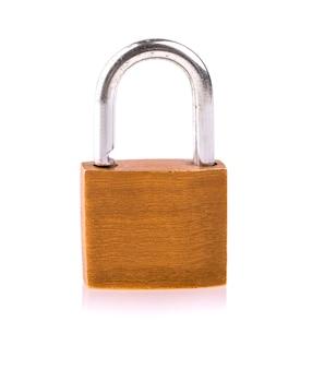 Seguridad de cerradura amarilla aislada
