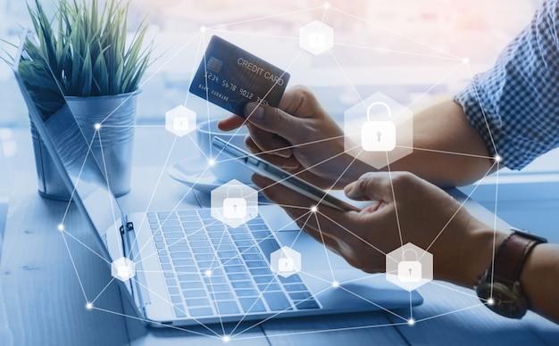 Seguridad de los datos de la tarjeta de crédito desbloquear el pago de compras en línea en el teléfono inteligente