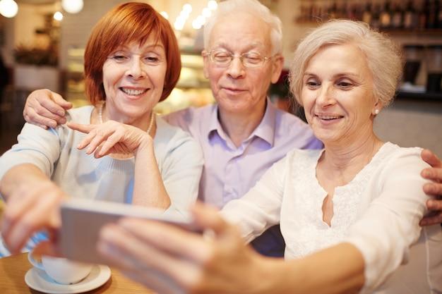 Selfie de personas mayores