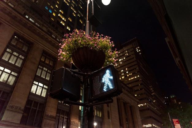Semáforo verde en la ciudad