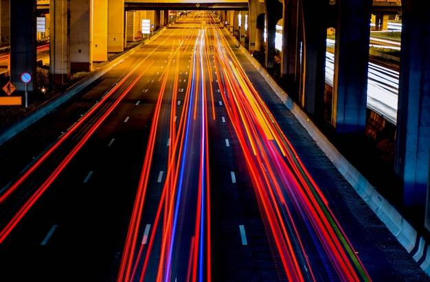 Semáforos en la carretera