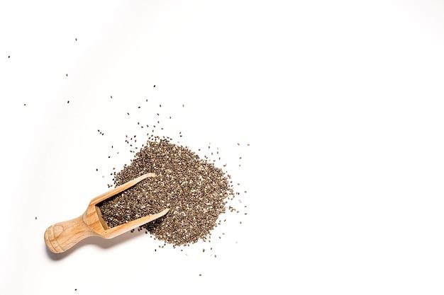 Semilla de chía sobre tabla de madera