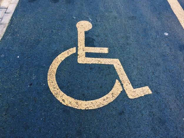 Señal de tráfico de silla de ruedas