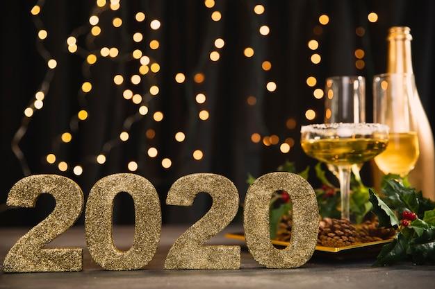 Señal de vista frontal con número de año nuevo