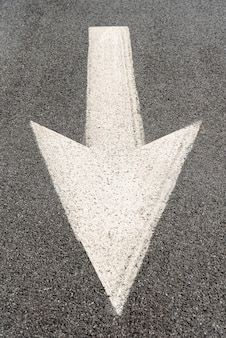 Señalización de flecha de calle