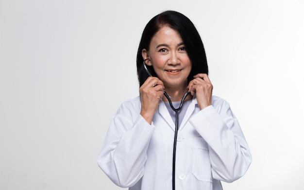 Senior 50s 60s años envejecimiento sociedad doctor