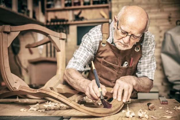 Senior carpintero de guardia