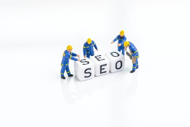 Seo, optimización de motores de búsqueda, construcción del sitio web con concepto de palabras clave