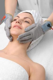 Serie de salones de belleza. masaje facial